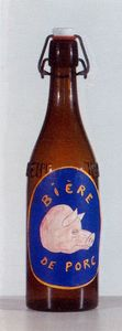 Rene Magritte - botella con label
