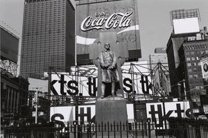 Lee Friedlander - Padre Duffy. Times Square, Nueva York